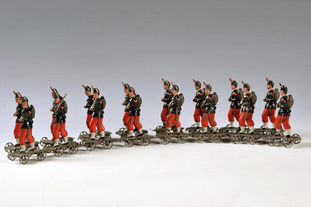 Les Cent-gardes de la Maison de l'empereur Napoléon III Figurines à roulettes, fabrication Giroux, 1854